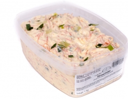 Salate mit Fleisch und Gemüse
